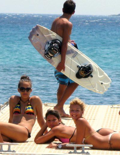 Girls sunbathing @ Awake Punda Beach